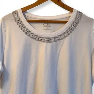 Basic white t-shirt with silver embroidery 1X